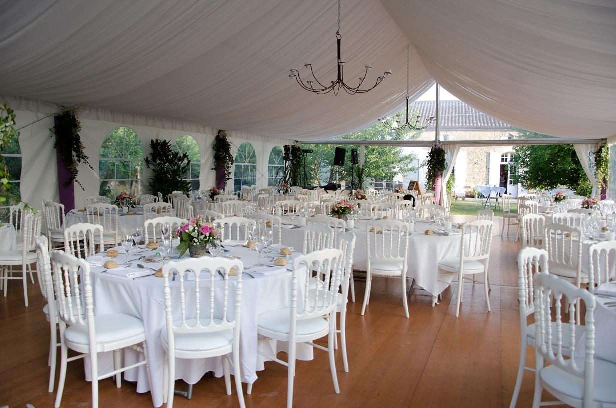 Location mobilier evenementiel dordogne lamonzie saint - Location de chaise pour mariage ...