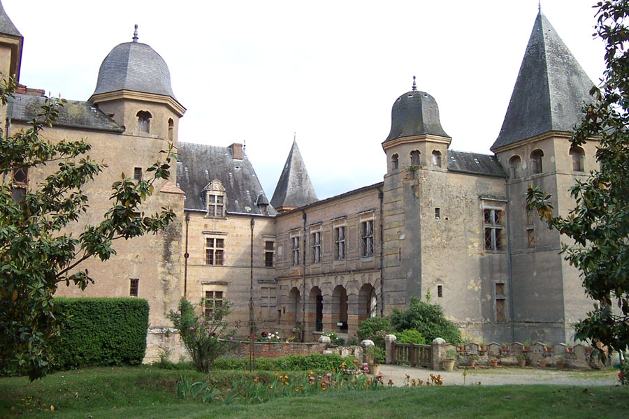 Chateau Gers Cazaux Saves 32130 Event Collection